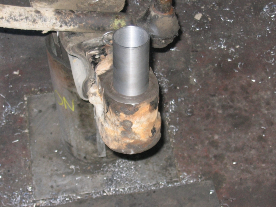 A Mobalign repaired axle sleeve