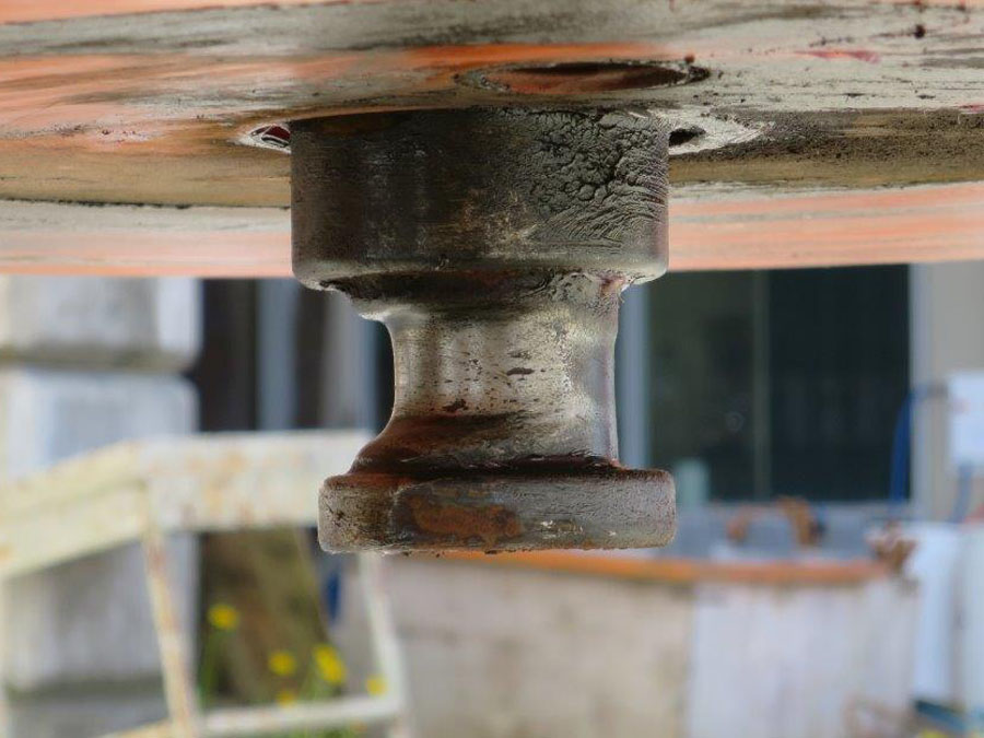 Mobalign will repair and refurbish your badly worn trailer king pins